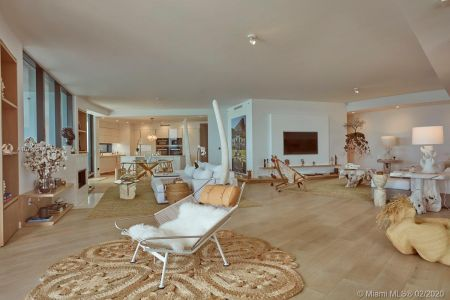18555 Collins Ave #801 photo02