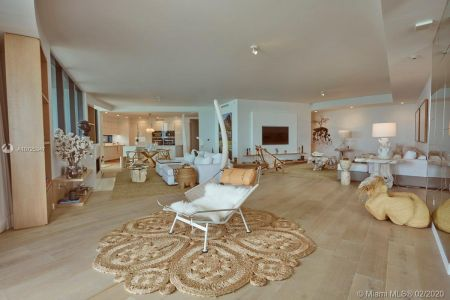 18555 Collins Ave #801 photo03