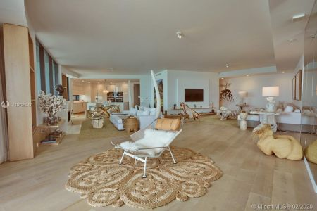 18555 Collins Ave #801 photo04