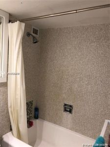 5225 Collins Ave #408 photo023