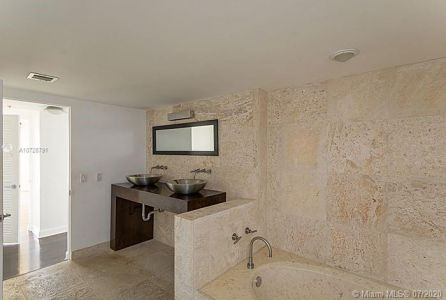 8777 Collins Ave #412 photo022