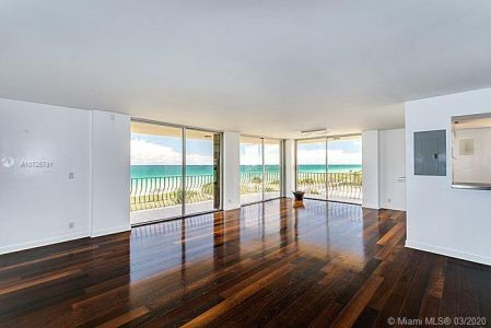 8777 Collins Ave #412 photo05
