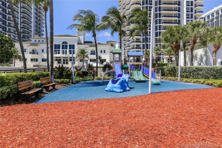 4779 Collins Ave #1205 photo019