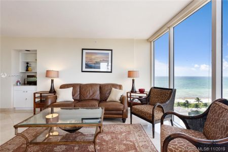 4779 Collins Ave #1205 photo02