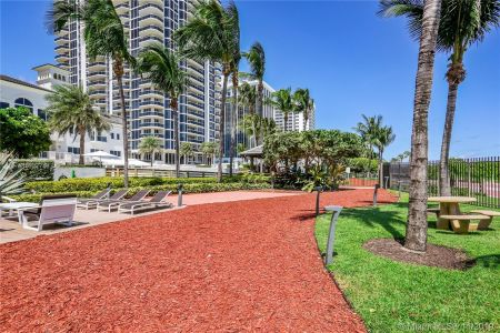 4779 Collins Ave #1205 photo022