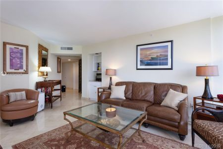 4779 Collins Ave #1205 photo07