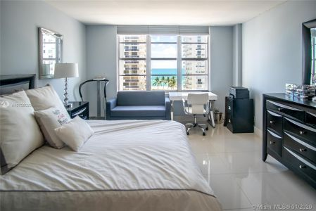 5700 Collins Ave #9A photo011