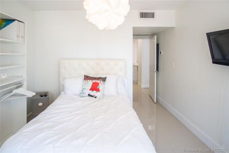 5700 Collins Ave #9A photo014