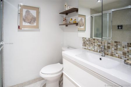 5700 Collins Ave #9A photo016