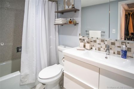 5700 Collins Ave #9A photo017