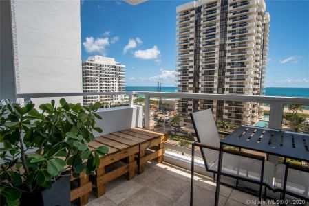 5700 Collins Ave #9A photo019