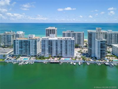 5700 Collins Ave #9A photo02