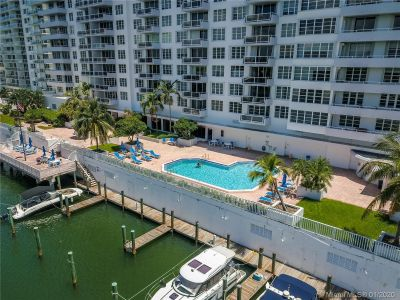 5700 Collins Ave #9A photo027