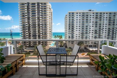 5700 Collins Ave #9A photo03