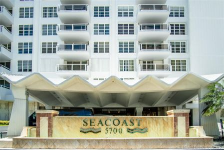5700 Collins Ave #9A photo031