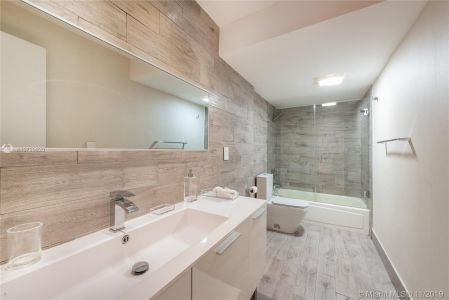 10275 Collins Ave #1524 photo012