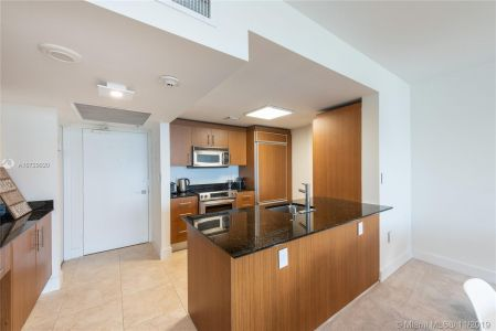 10275 Collins Ave #1524 photo06