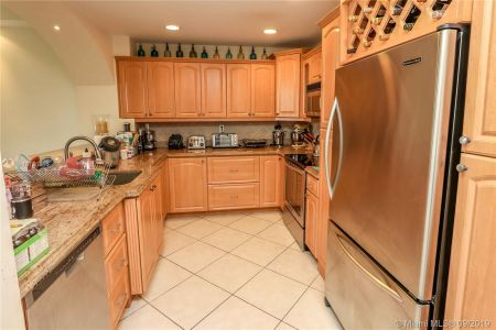 151 Crandon Blvd #304 photo013