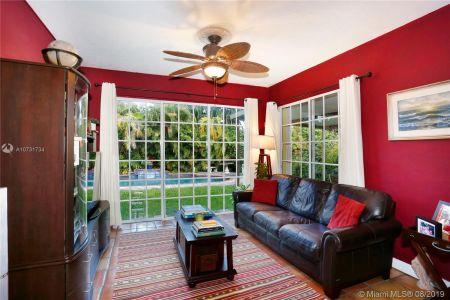8827 Hawthorne Ave photo013