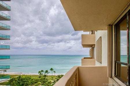 10185 Collins Ave #1221 photo024