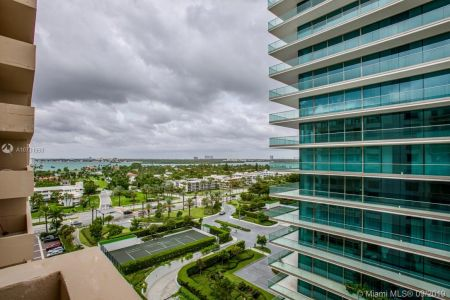 10185 Collins Ave #1221 photo025