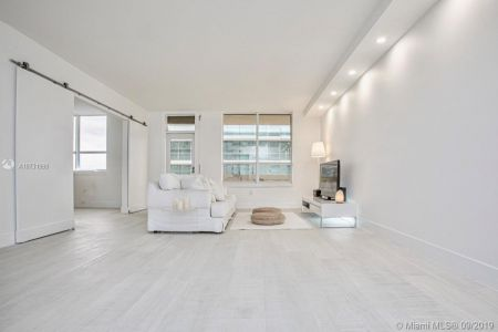 10185 Collins Ave #1221 photo05