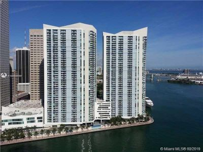 325 S Biscayne Blvd #1520 photo09