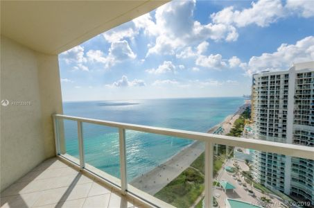 16699 Collins Ave #2601 photo010