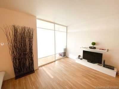 2301 Collins Ave #631 photo08