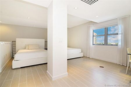 3739 Collins Ave #N-PH photo017