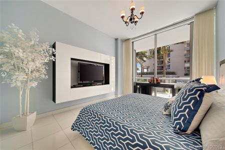 6799 Collins Ave #108 photo02