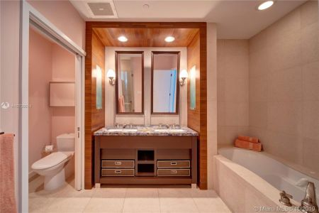 6799 Collins Ave #108 photo06