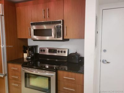 10275 Collins Ave #426 photo05