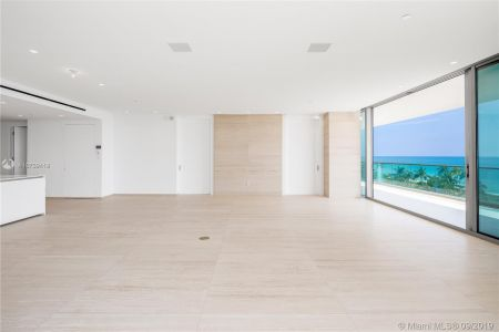 10201 Collins Ave #501 photo010