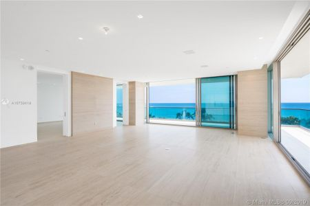 10201 Collins Ave #501 photo09