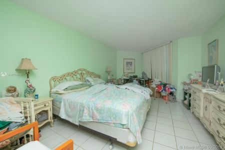5555 Collins Ave #8A photo012