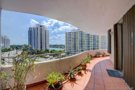 5555 Collins Ave #8A photo015
