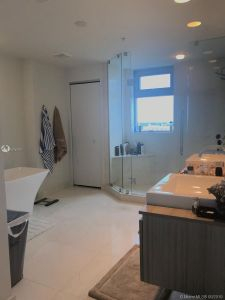 17301 Biscayne Blvd #908 photo012