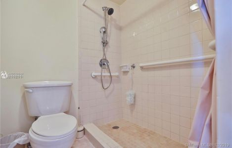 6039 Collins Ave #1034 photo015