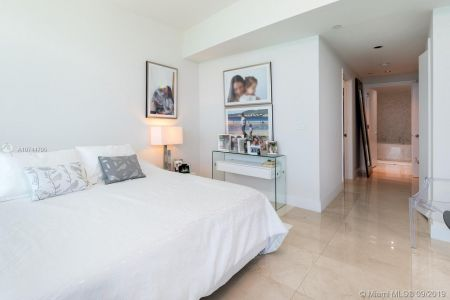 17121 Collins Ave #2804 photo014