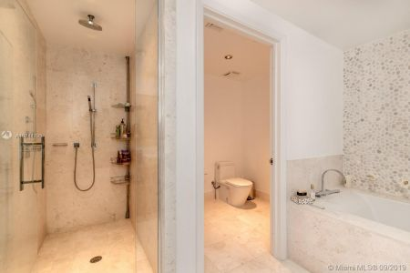 17121 Collins Ave #2804 photo017
