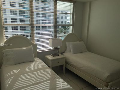 5151 Collins Ave #629 photo08