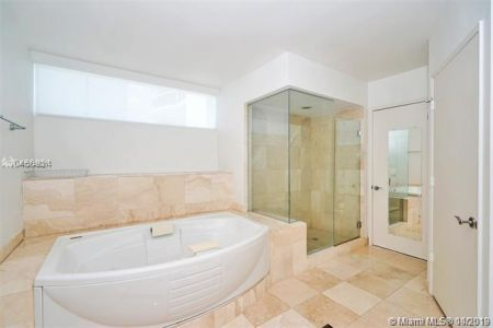 17555 Collins Ave #1205 photo017