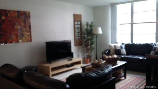 5161 Collins Ave #510 photo03