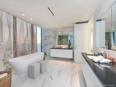 1000 Biscayne Blvd #3202 photo018