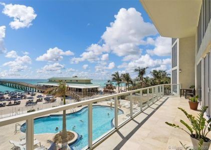 16699 Collins Ave #3905 photo022