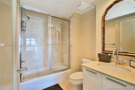 18911 Collins Ave #2405 photo011