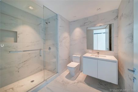1000 Biscayne Blvd #2501 photo016