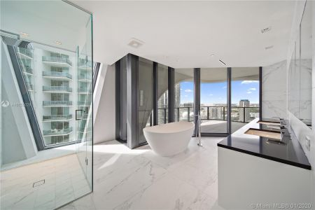 1000 Biscayne Blvd #2501 photo019
