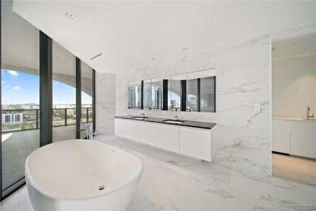 1000 Biscayne Blvd #2501 photo020
